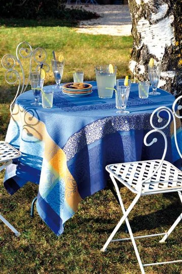 Le Cluny Provence French Jacquard Tablecloth
