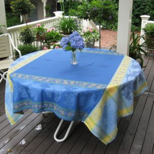 Le Cluny French Provence tablecloths napkins