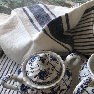 Blue and white linen dishtowels Linen Casa