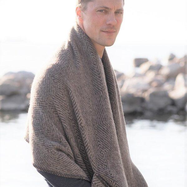 lapuan kankurit pocket wool shawl Finland