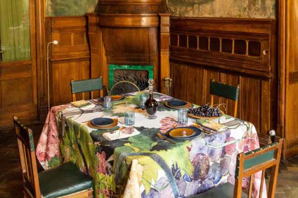 NapKing table linen Sicily Italy metaphore european home