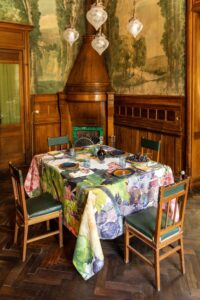 Linen tablecloths from Sicily NapKing