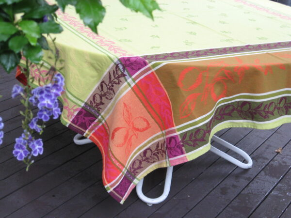 le cluny provence tablecloth france