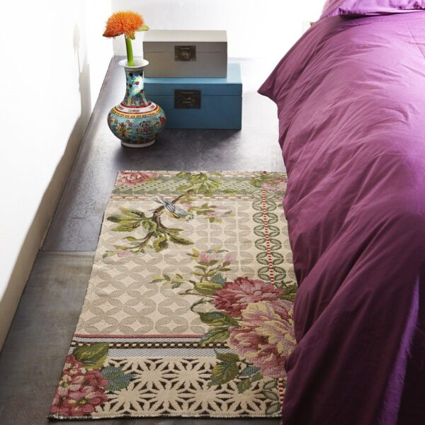 Miho Italian rugs at Metaphore European Home
