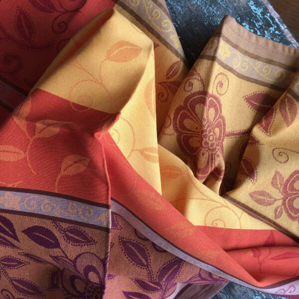Le Cluny tablecloths Provence Claire