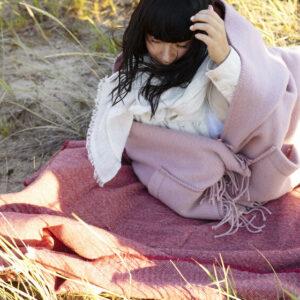 Lapuan Kankurit wool pocket shawl pink Finland